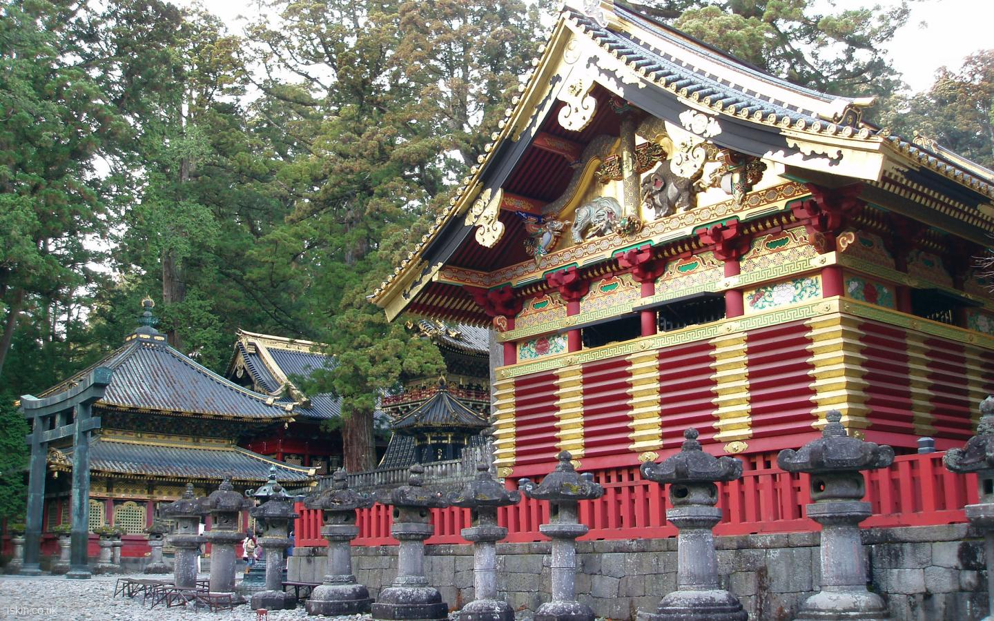 desktop image Nikko Golden Temple