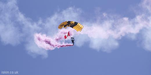 twitter header army parachute display