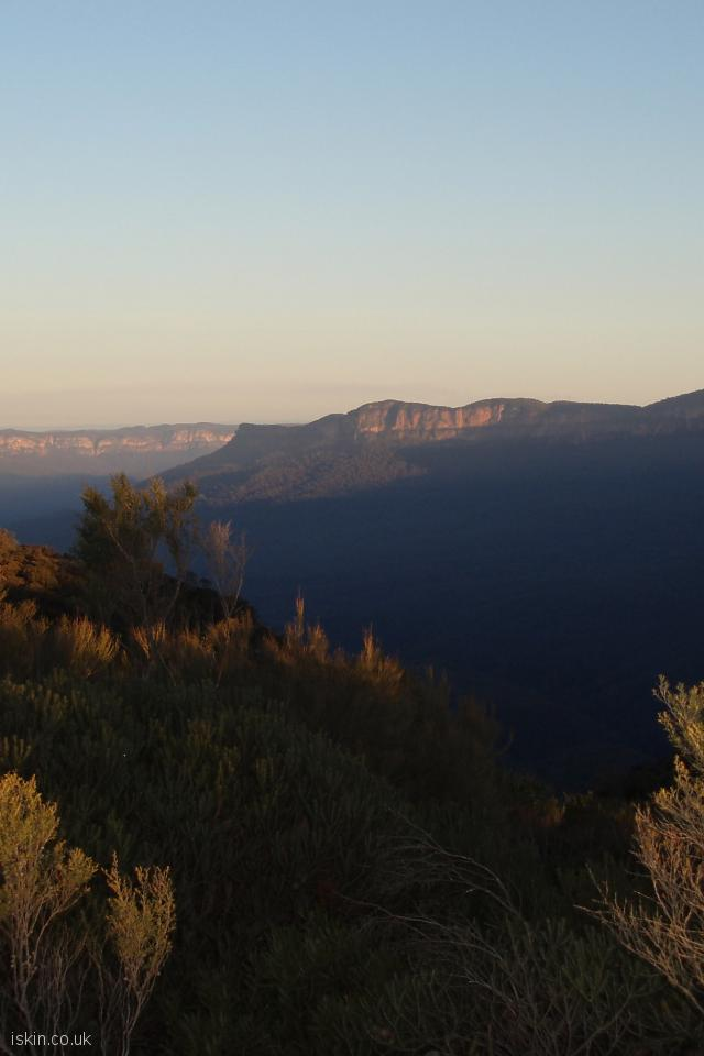 iphone 4 portrait wallpaper Blue Mountains Sunset