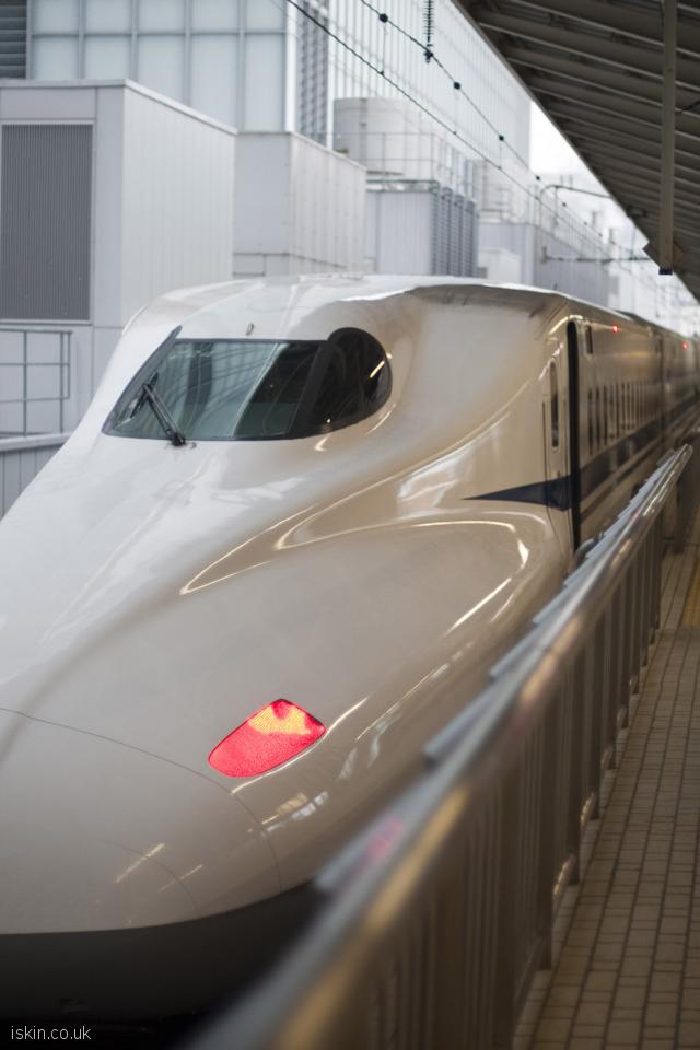 iphone 4 portrait wallpaper bullet train