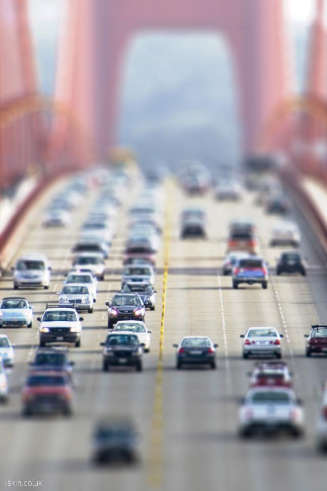 iphone 4 portrait wallpaper Cars Crossing the Goldengate