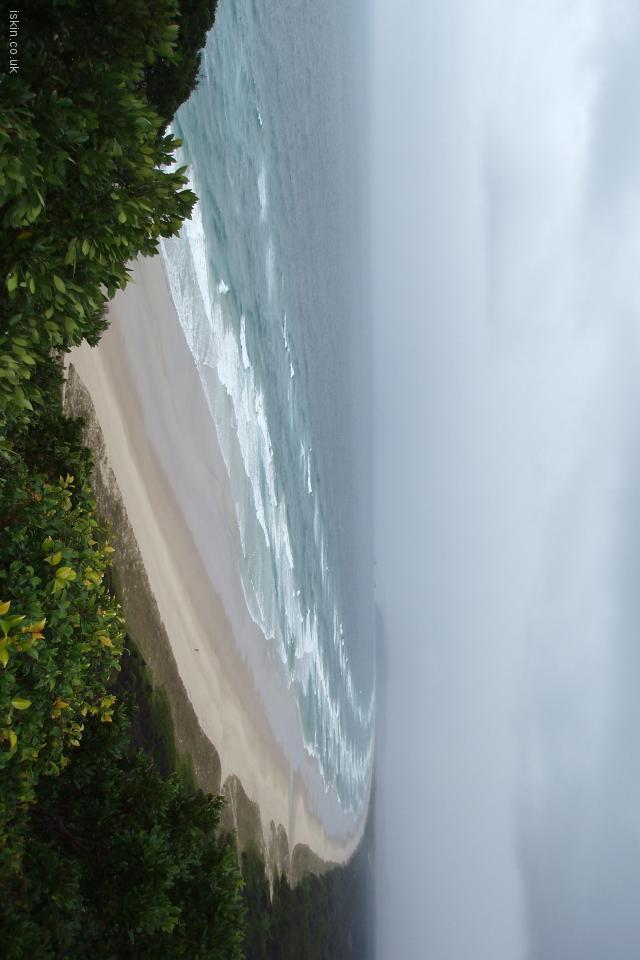 iphone 4 landscape wallpaper Byron Bay Storm
