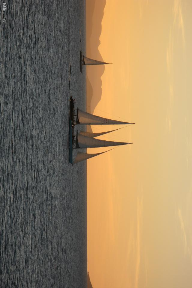 iphone 4 landscape wallpaper Sailing at Sunset